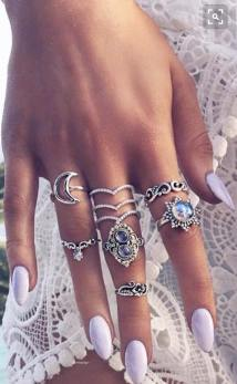 PRETTY RINGS ON PINTEREST